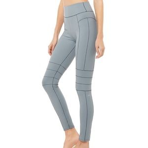 NWOT Alo yoga endurance leggings XS
